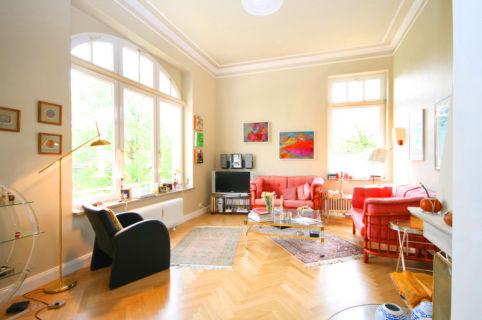 Für Liebhaber: Altbau-Wohnung in Toplage von Nienstedten