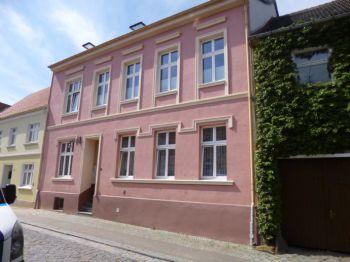 Mehrfamilienhaus in Altentreptow  - Altentreptow