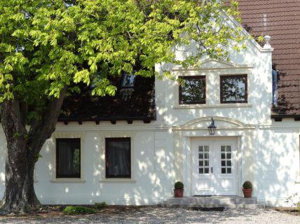 Großenbrode,*Repräsentativer Landsitz*; Elegante Landhaus-Villa mit Stall...