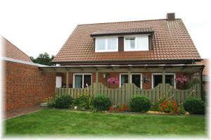 Auch für 2 Parteien - 2 Küchen - Große überdachte Terrasse - Exklusiv-Bad