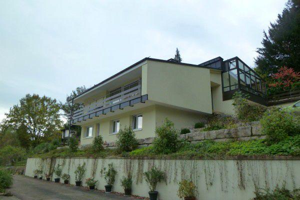 Gro�z�giges komfortables Einfamilienhaus Waldrandlage vermieten Baden Baden H - Haus mieten - Bild 1