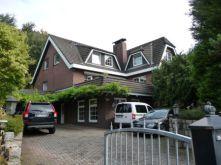 Zweifamilienhaus in Rosengarten  - Eckel