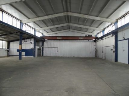 Roßdorf: 640 m² Lagerhalle mit Kranbahn & Büro