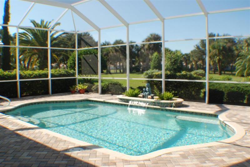 fantastisches pool haus in super lage von venice florida nur 10 minuten zum strand. Black Bedroom Furniture Sets. Home Design Ideas