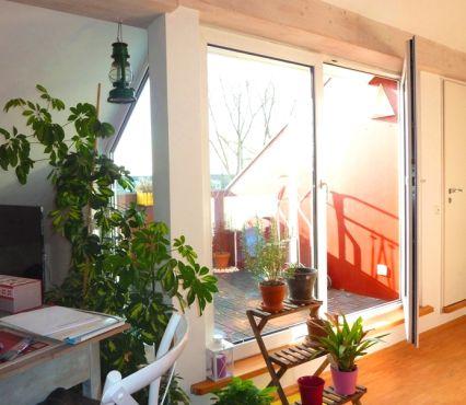 Lichtdurchflutet, großzügig - Dachgeschossflair mit sonniger Dachterrasse,...