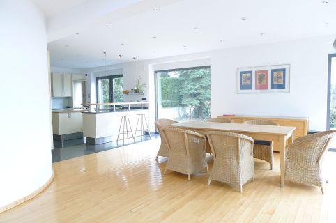 Modern gestaltet und ökologisch erbaut - Einfamilienhaus mit Einliegerwohnung...