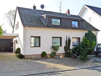 Villa in Köln  - Rodenkirchen