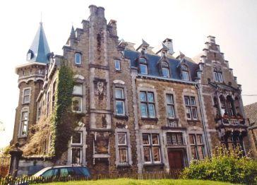 Dachgeschosswohnung in Belgien