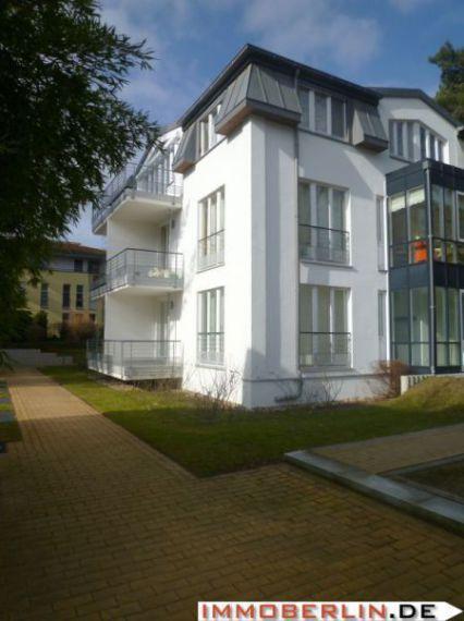 IMMOBERLIN: Toplage - erstklassige Wohnung mit Südbalkon & Waldblick