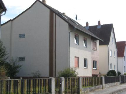 2-Zimmer-Dachgeschoss-Wohnung in 3FH