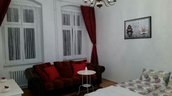 chamante 2 zimmer wohnung auf zeit in charlottenburg. Black Bedroom Furniture Sets. Home Design Ideas