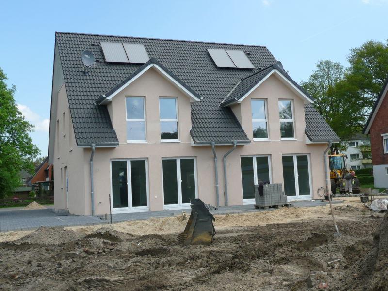 Wrist Doppelhaush�lfte DOM HAUS Neubau Erstbezug Stilvolle 4 Zimmer DHH Garten Ferti - Haus mieten - Bild 1