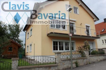 VERMIETET! 3-Zi.-Wohnung mit Balkon, WG-geeignet, in Passau (zentral)...