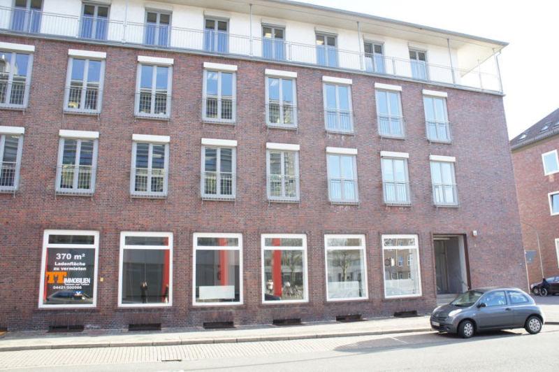 TT Immobilien Ihnen 370 m� Ladenfl�che unmittelbar Rathausplatz - Gewerbeimmobilie mieten - Bild 1