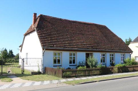 Wohnhaus mit Nebengebäuden und ca.1.849 m² Grundstück!
