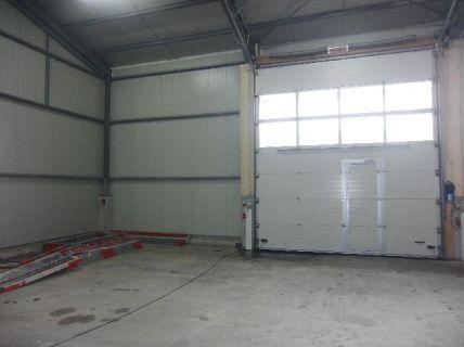 Leipheim: Lagerhalle in Parzellen aufgeteilt zu je 80 m² (240 m²) mit...