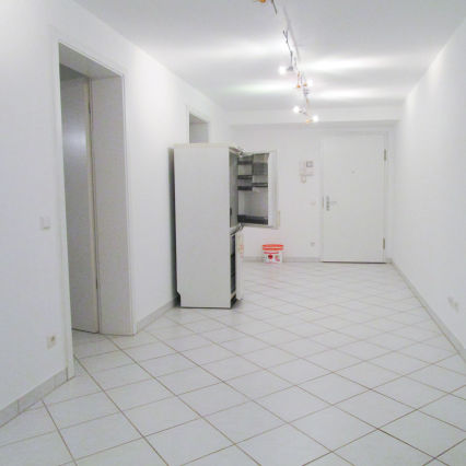 AllGrund: Frankfurt: Gewerbefläche 112m² zu vermieten - Drei Arbeitsräume,...