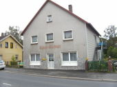 Zwangsversteigerung - Zweifamilienwohnhaus mit Nebengebude in 96472 Rdental