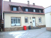 Zwangsversteigerung - Einfamilienhaus mit PKW-Stellplatz in 91320 Ebermannstadt
