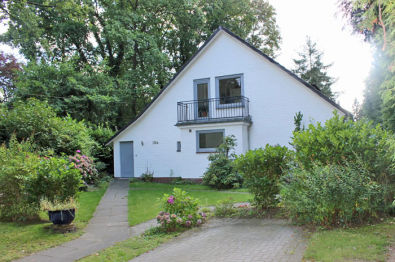 Mehrfamilienhaus in Hamburg  - Rissen