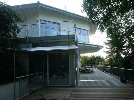 Terrasse vor dem Pool