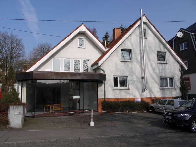 Zentral gelegene B�ro Laden Praxisfl�che Bad Marienberg Ehemalige Apotheke v - Gewerbeimmobilie mieten - Bild 1