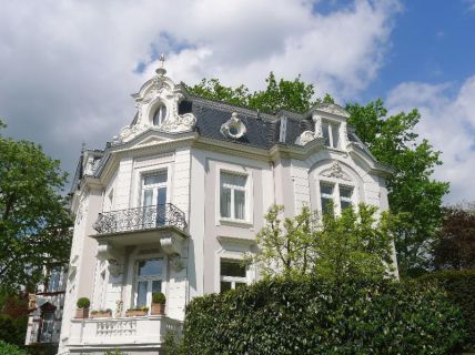 Stadtvilla - Prachtvoller Stilaltbau in absoluter Bestlage,  65189 Wiesbaden
