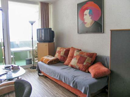 AllGrund: F-Sachsenhausen: Möblierte 1-Zimmerwohnung mit tollem Ausblick