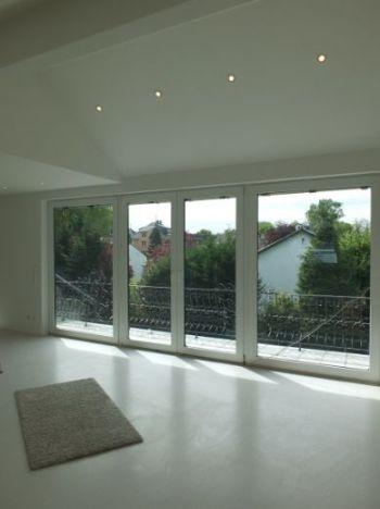 Dachgeschosswohnung in Köln  - Niehl