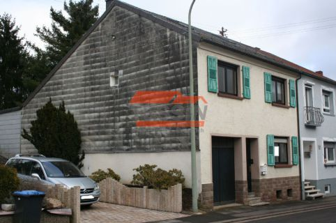 Einfamilienhaus in Blieskastel-Blickweiler! *ca. 130qm* *großer Garten* Garage*