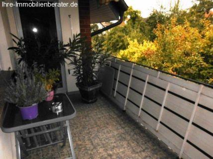 Für Gartenliebhaber: Geräumige 2,5 Zimmer-Stadtwohnung mit Einbauküche