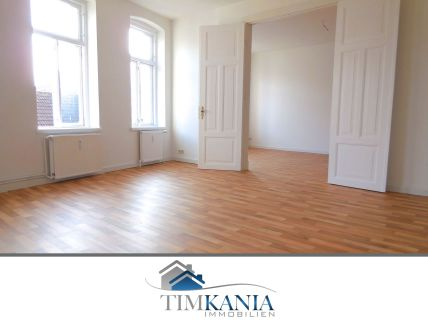 Großzügige 3,5-Zimmer Wohnung in zentraler Lage / WG geeignet
